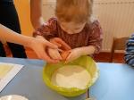 Maluchy pieczą babeczki_14